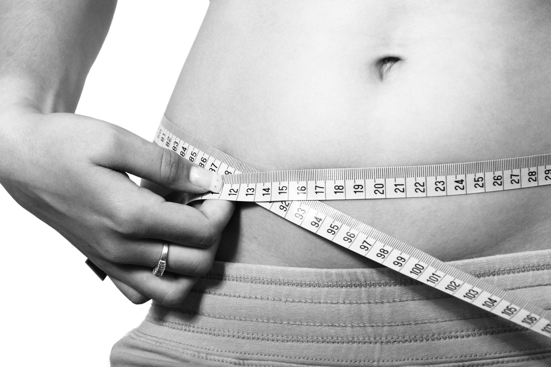 Como perder gordura abdominal com a ajuda desses 4 alimentos